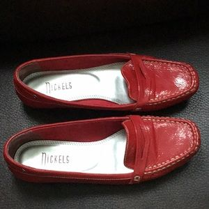 Nickels red shows